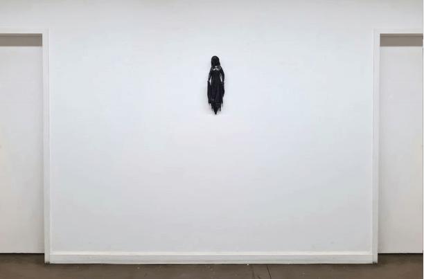 Galerie Benjamin Eck München wood, resin
