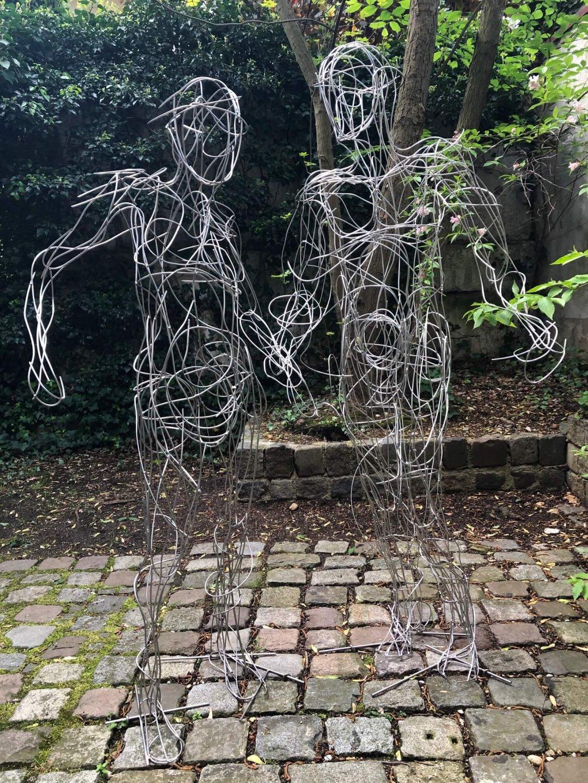Galerie Benjamin Eck München welded stainless steel wire