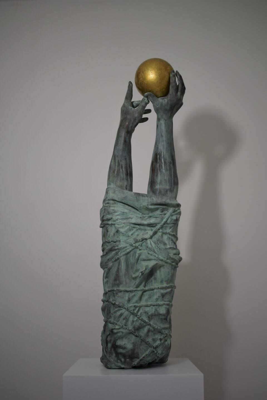 Galerie Benjamin Eck München Cold cast bronze/ gold leaf resin